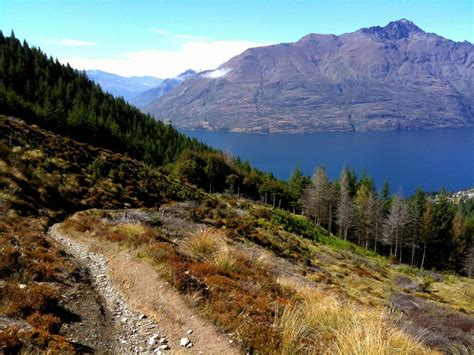 A Guide To Queenstown Tramping Tracks