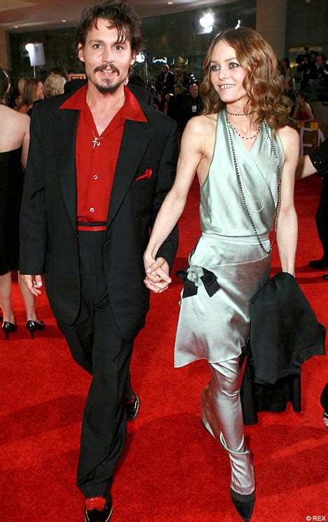 Latest Hollywood Hottest Wallpapers: Johnny Depp Saxy Wife