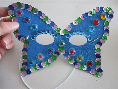 Kids Craft Ideas   How to Make a Butterfly Mask