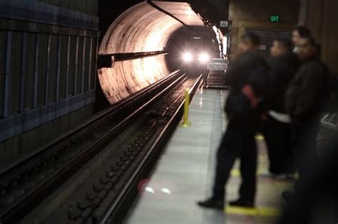 Metro to force riders to pay on Purple and Red lines by