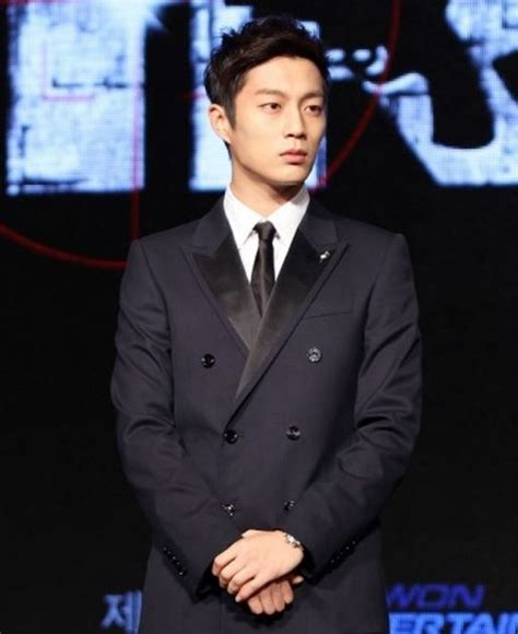 Which Kpop male idol looks the best in a suit? (Updated!)