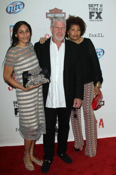 Ron Perlman with His Daughter and Wife Opal – Stock