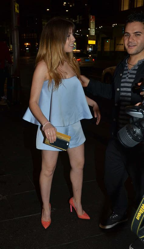 Jennette McCurdy Shows her Legs -08   GotCeleb