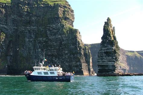 Aran Islands, Cliffs of Moher Day Tour, Cruise from Galway