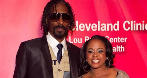 5 Photos You Need to See of Snoop Dogg's Wife, Shante Broadus