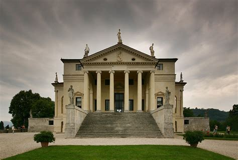 Villa Capra Front - The Great Inspiration for Your