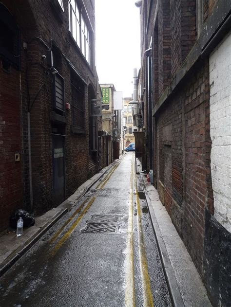 Alleyway in Chinatown, Manchester   Building photography